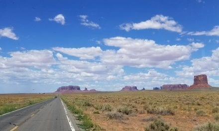 Driving from Antelope Canyon to Monument Valley (Timelapse Video)