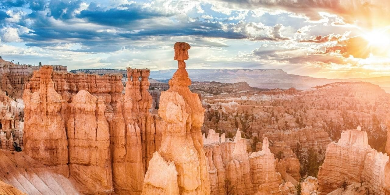 19 National Parks. 10000+ miles. Here is our mega road trip itinerary